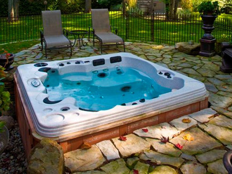 review of coast spas international pool spa. Black Bedroom Furniture Sets. Home Design Ideas